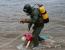 """Водолазы ГКУ """"Волгоспас"""" достали из воды тело мужчины-суицидника."""